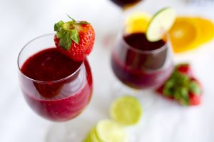 3 Smoothie Recipes: Green, Red and Pink